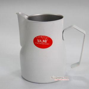 Ca Đánh Sữa YaMi 550ml Màu Trắng