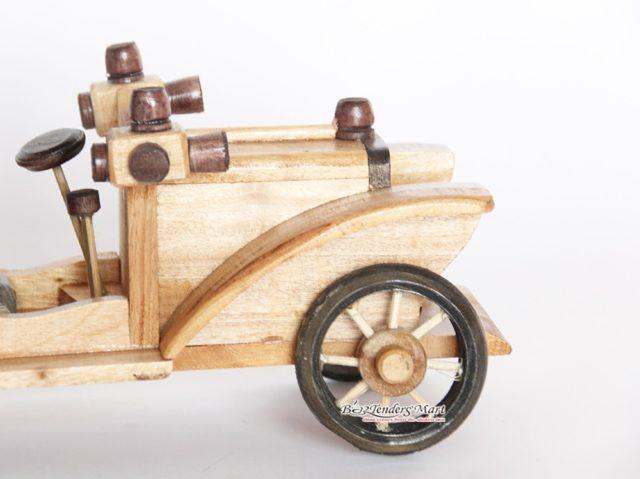 xe antique trang trí bằng gỗ 02