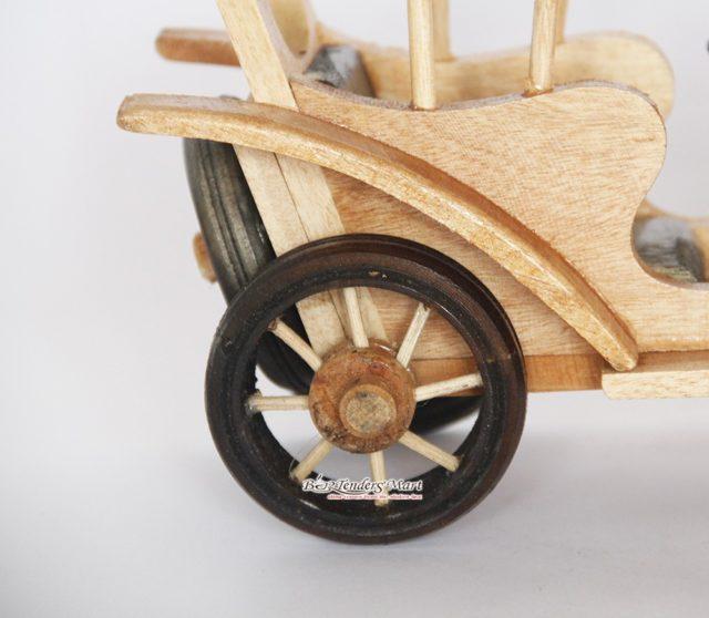 xe antique trang trí bằng gỗ 03